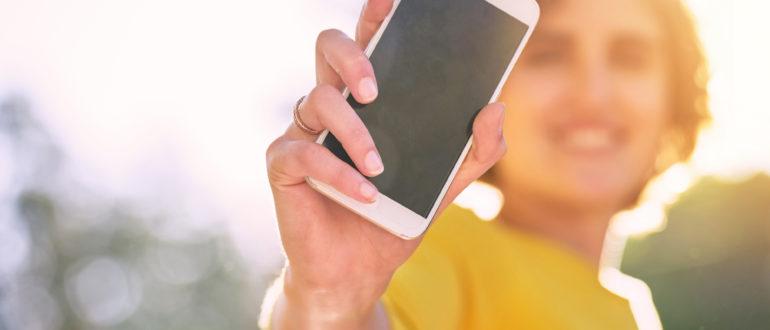infographie mobile et recherche vocal